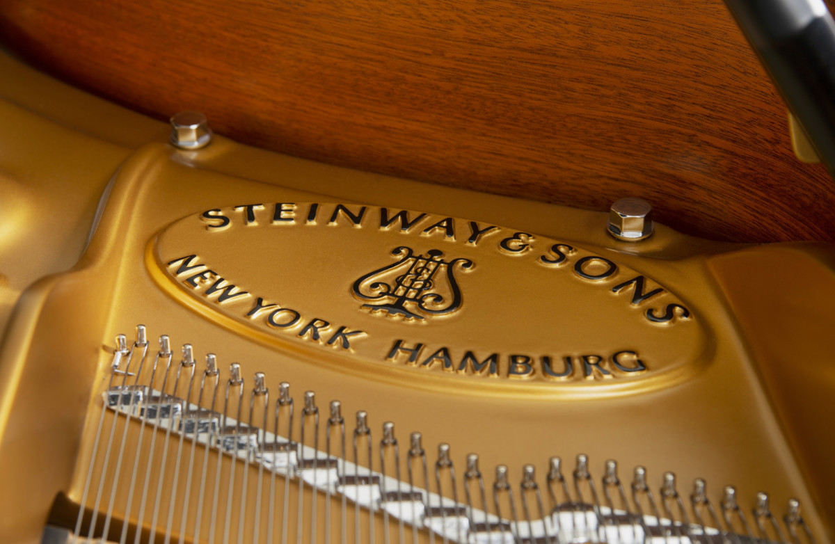 piano-cola-steinway-sons-c227-artesanal-nuevo-negro-detalle