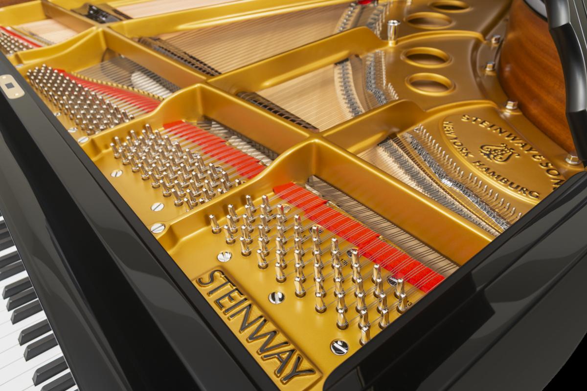 piano de cola Steinway & Sons O180 clavijero puente arpa