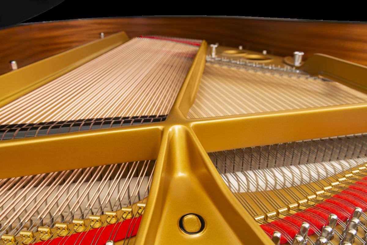 piano de cola Steinway & Sons O180 modelo tabla armónica