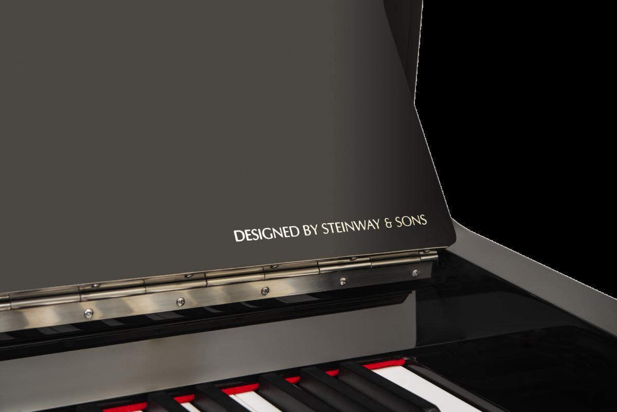 piano-vertical-essex-eup123-chrome-nuevo-negro-plata-detalle