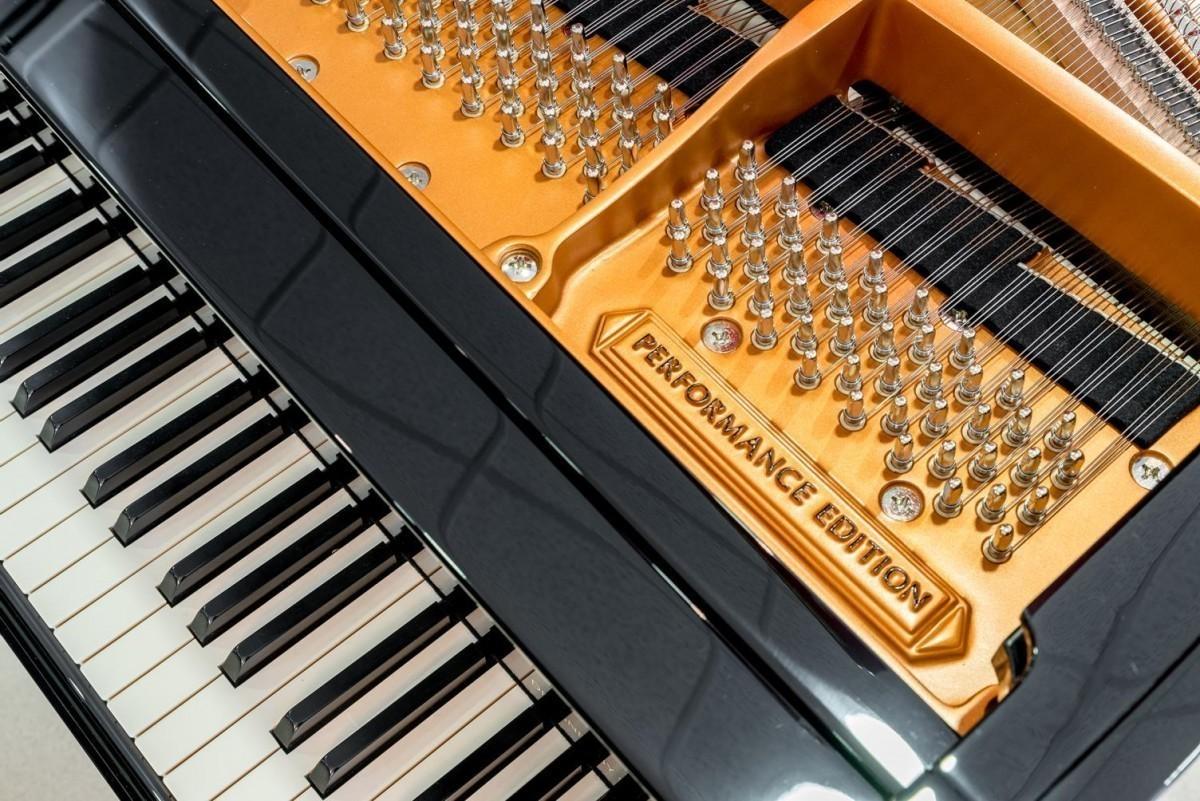 BOSTON GP-178 #189335 detalle piano clavijero clavijas teclas