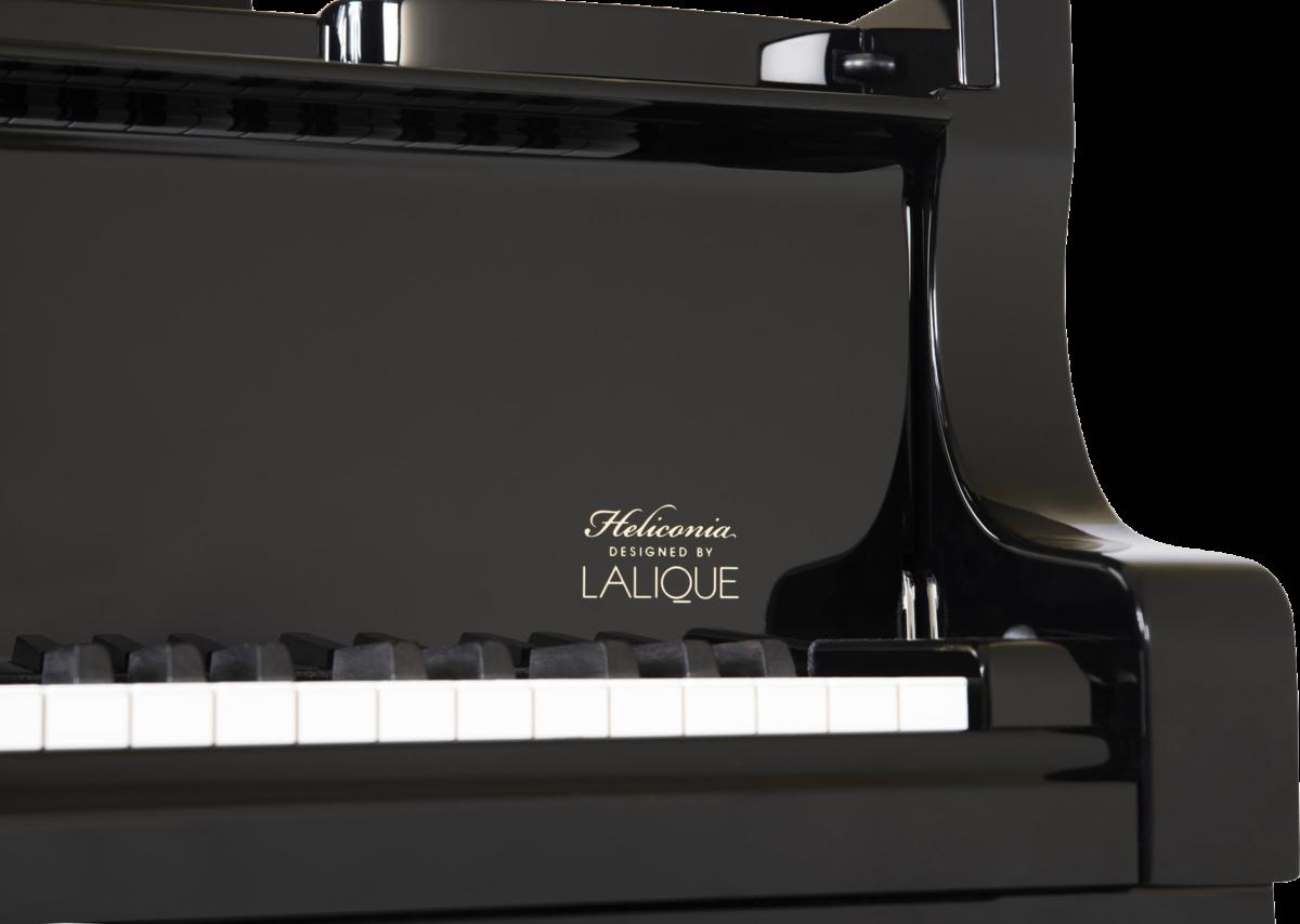 piano-cola-steinway-sons-b211-artesanal-heliconia-lalique-nuevo-edicion-limitada-negro-detalle-02