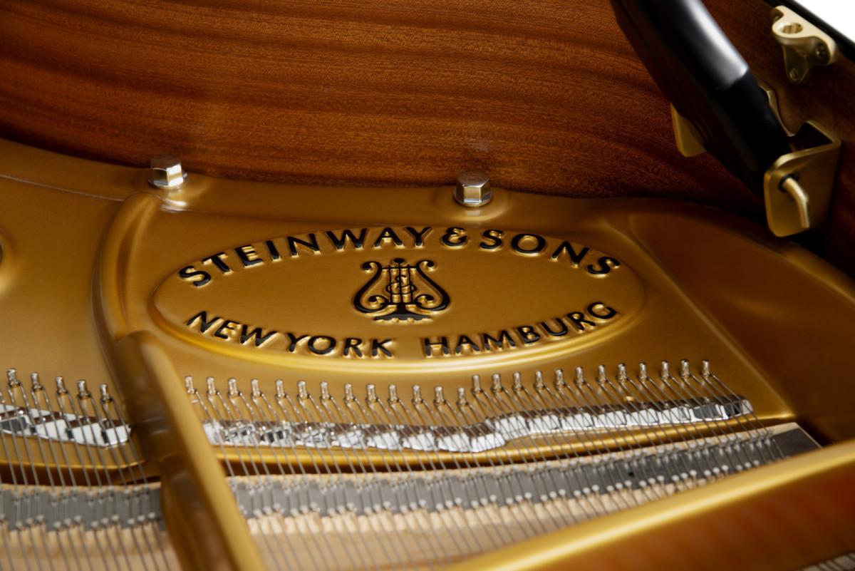 piano-cola-steinway-sons-o180-spirio-artesanal-negro-interior