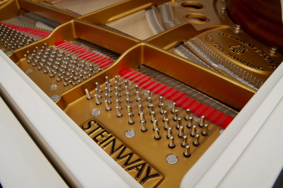 piano-cola-steinway-sons-o180-spirio-artesanal-nuevo-blanco-clavijas