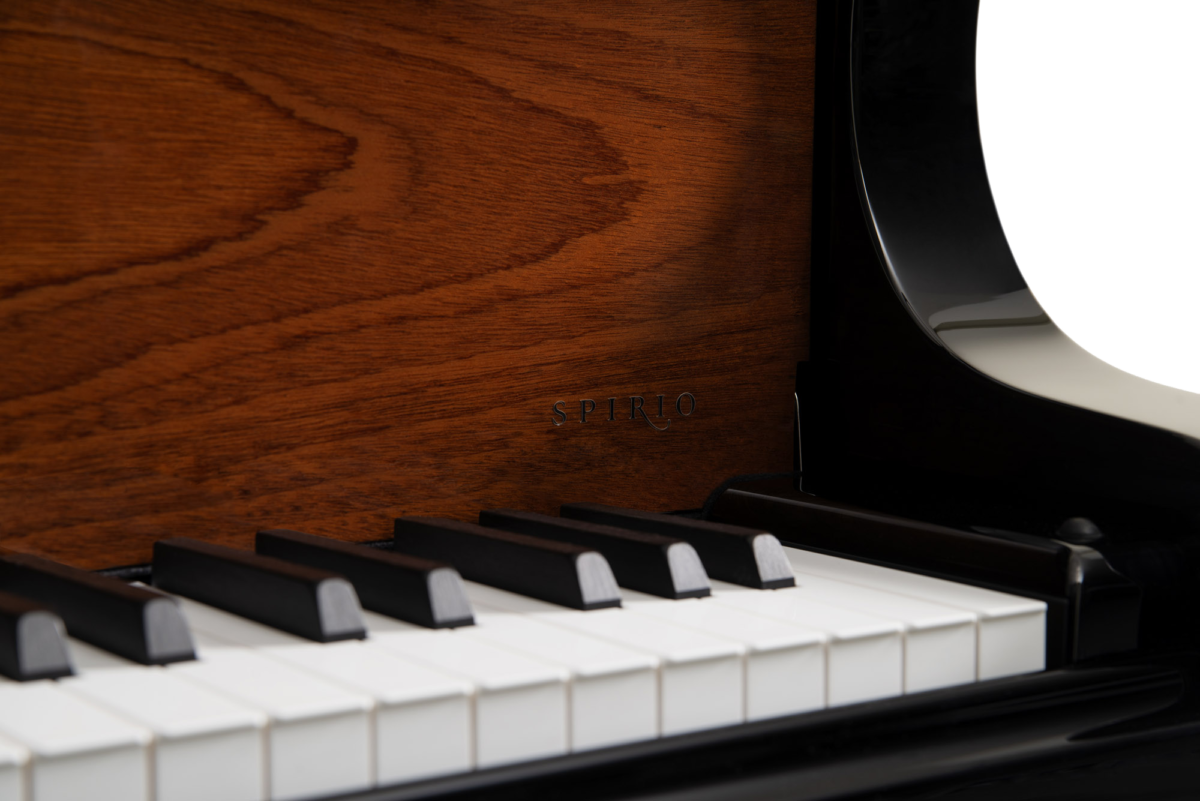 piano-cola-steinway-sons-b211-spirio-artesanal-165th-anniversary-edicion-especial-nuevo-negro-caoba-sapeli-detalle