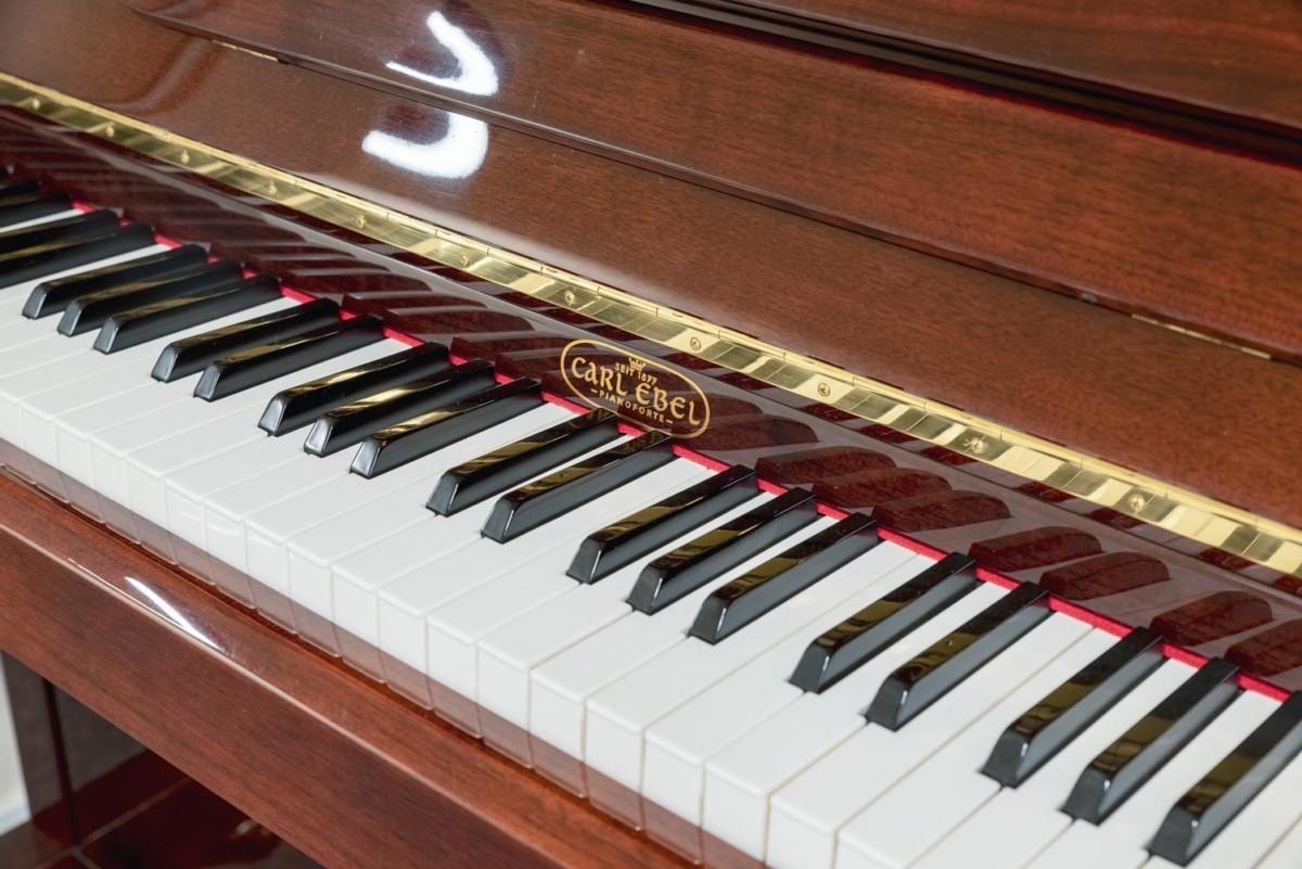 CARL-EBEL-112-40634 piano detalle teclas marca teclado