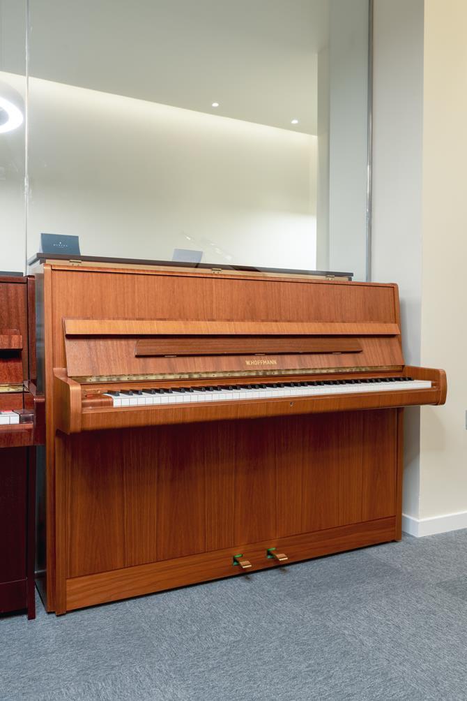 W.HOFFMANN-110-121558 vista general piano teclado teclas