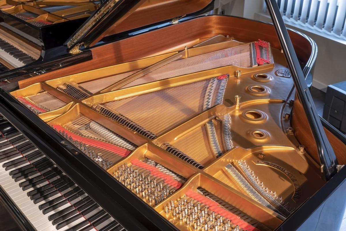 STEINWAY-A-188-157824 vista general mecánica arpa piano cuerdas clavijas clavijero