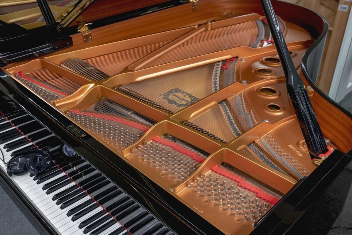 YAMAHA-C5-5942443 mecánica piano cuerdas clavijas arpa