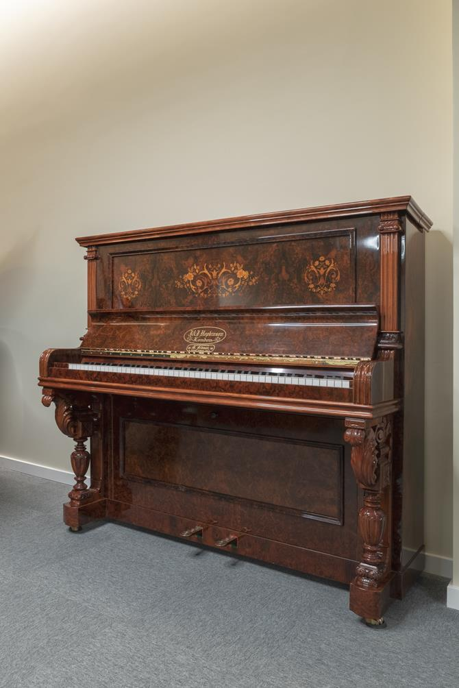 JJ-HOPKINSON-H136-550307782 vista general piano