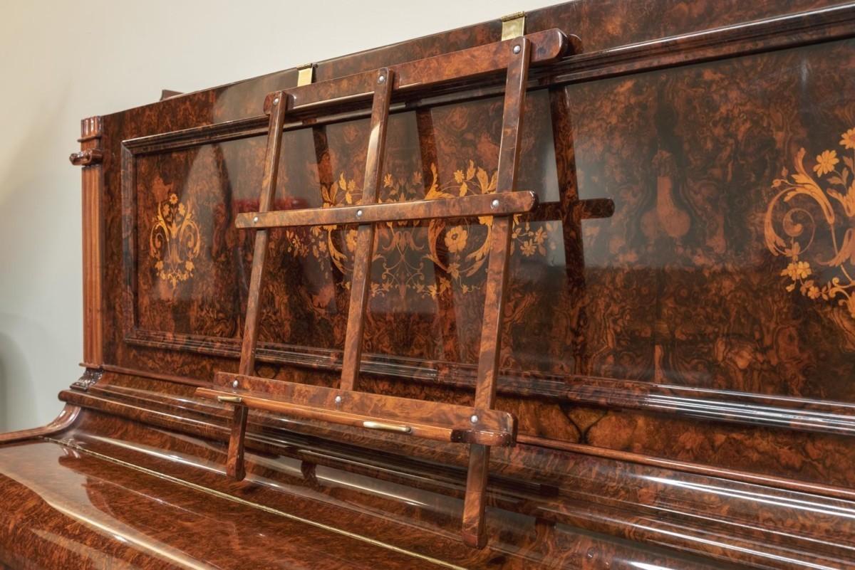 JJ-HOPKINSON-H136-550307782 vista detalle atril piano acabado