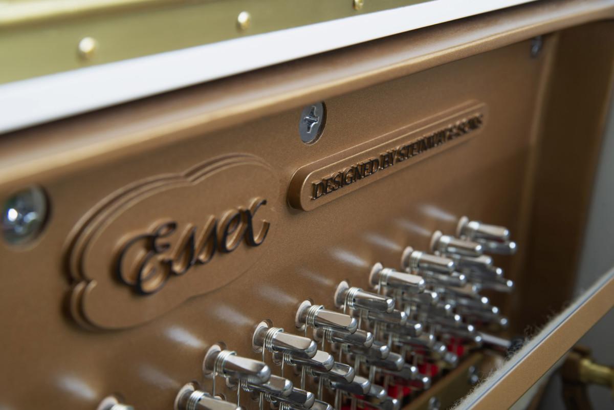 piano-vertical-essex-eup123-nuevo-blanco-clavijas