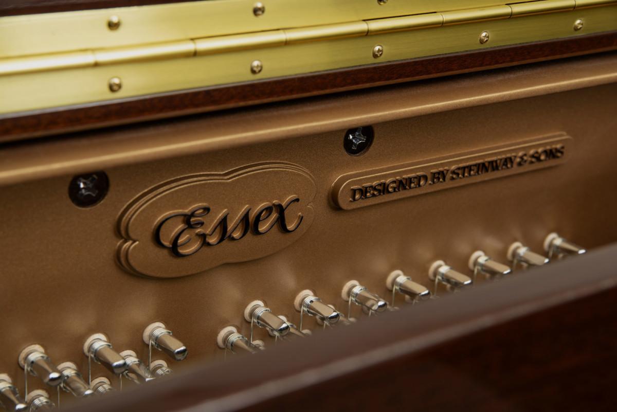 piano-vertical-essex-eup123-nuevo-caoba-clavijas
