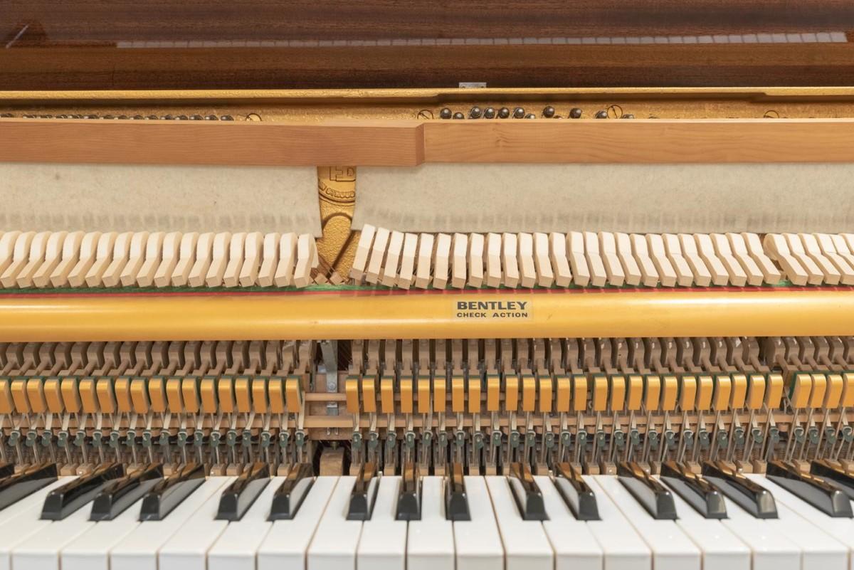 Bentley mecanismo, apagadores, martillo, macillos, teclado, sordina