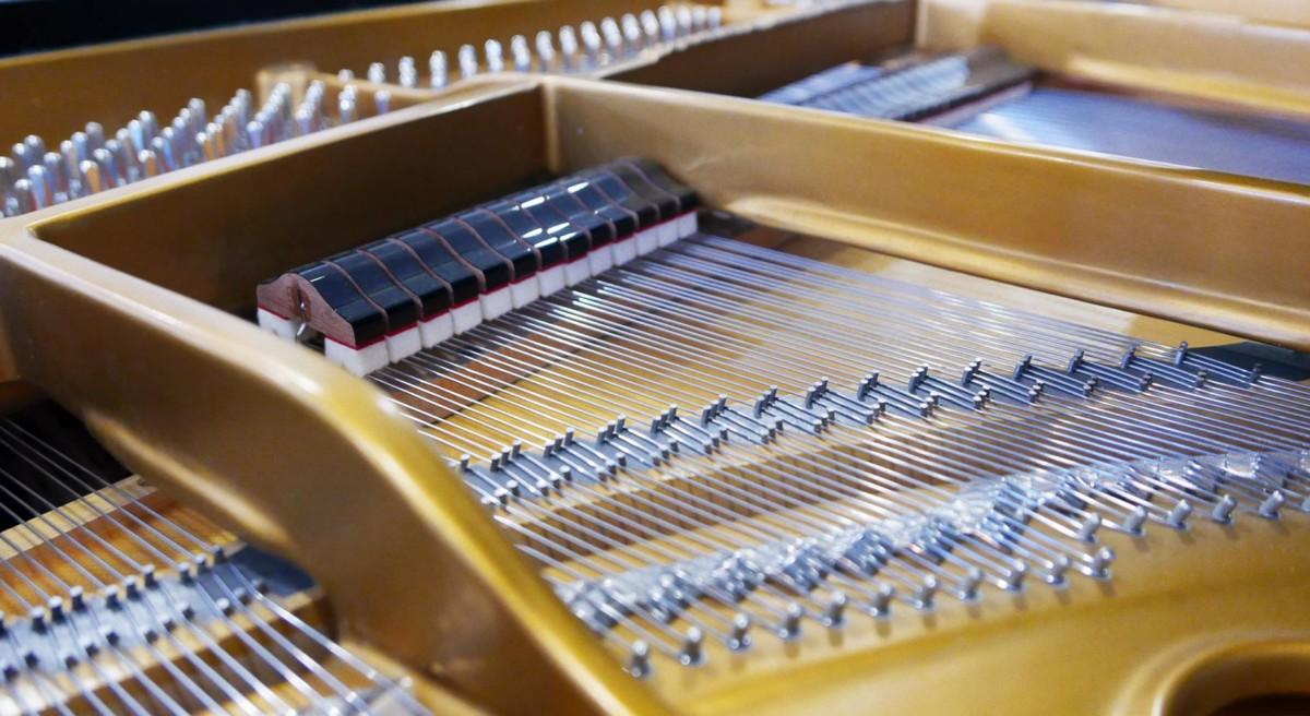 piano de cola Steinway & Sons O180 #466396 apagadores cuerdas arpa