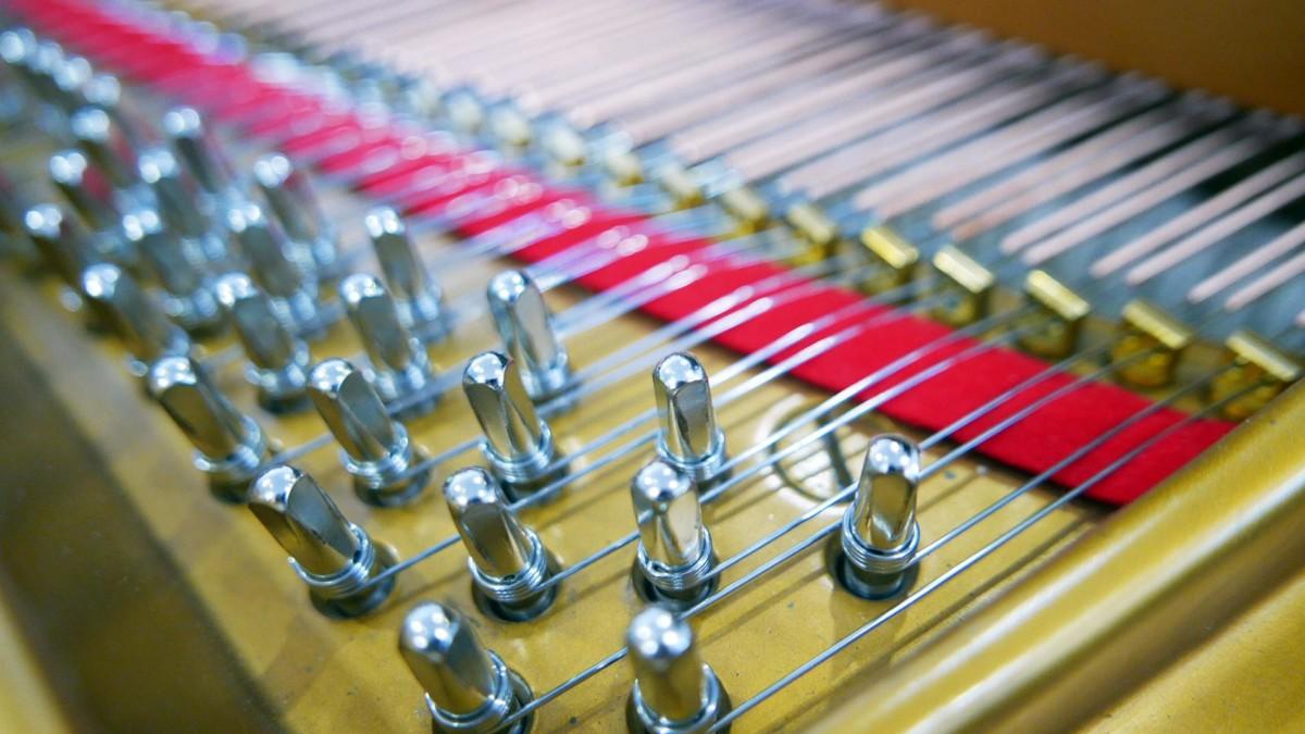 piano de cola Steinway & Sons O180 #466396 clavijero clavijas cuerdas