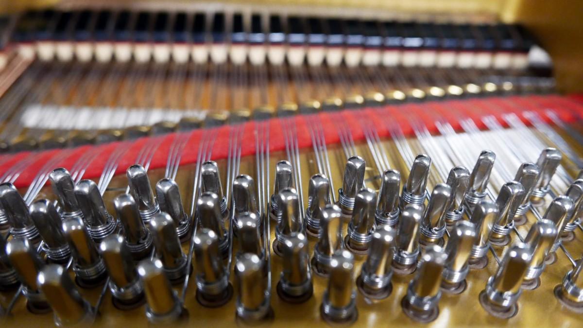 piano de cola Yamaha G2 #1568488 clavijas clavijero
