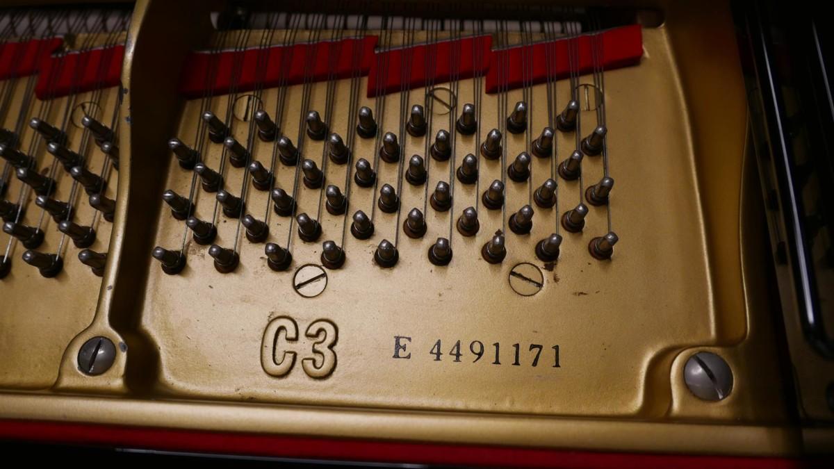 YAMAHA C3 MIDI 4491171 Clavijero, cuerdas, arpa