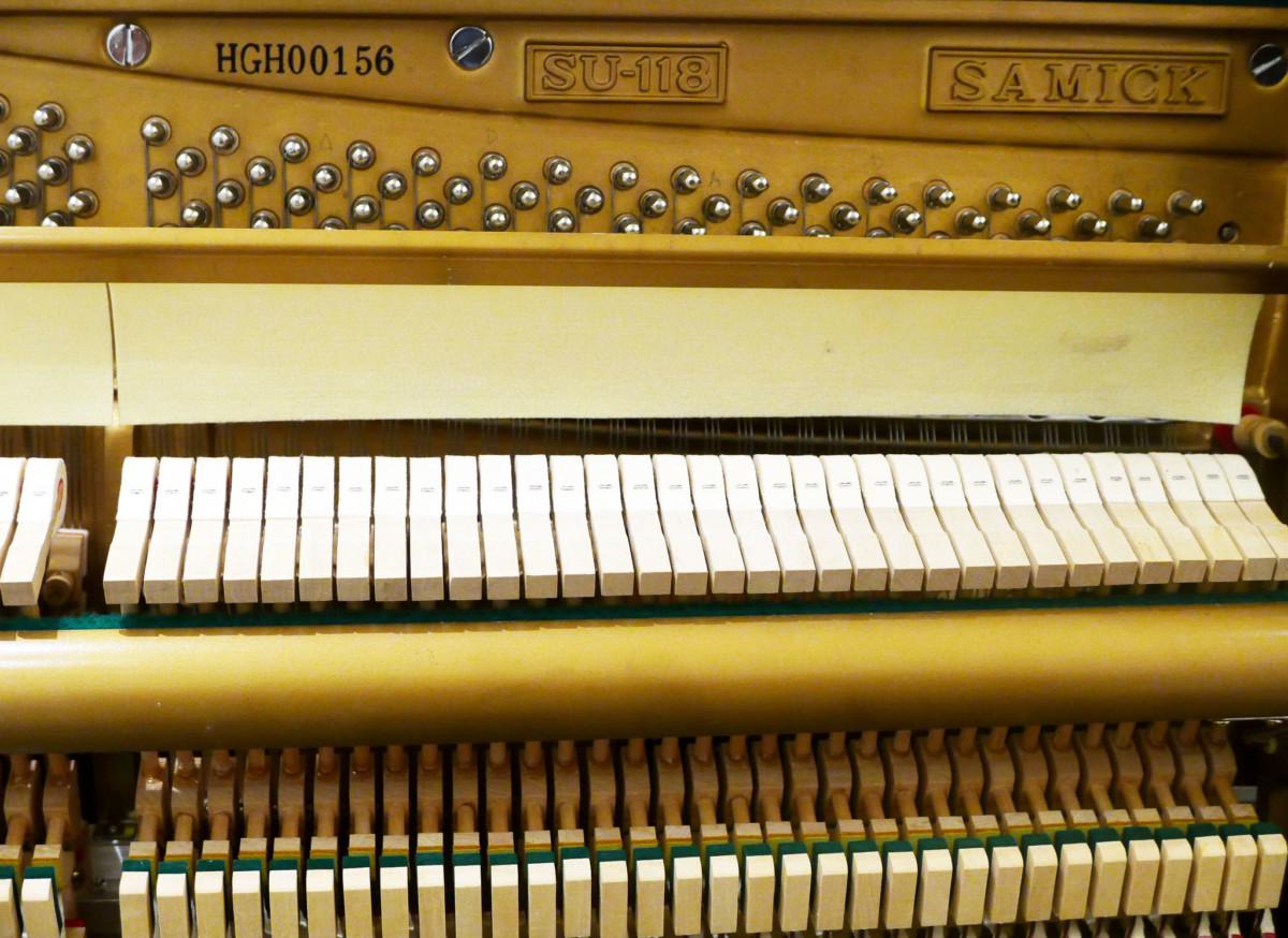 SAMICK SU118 HGH00156 mecanismo, martillos, clavijero, sordina