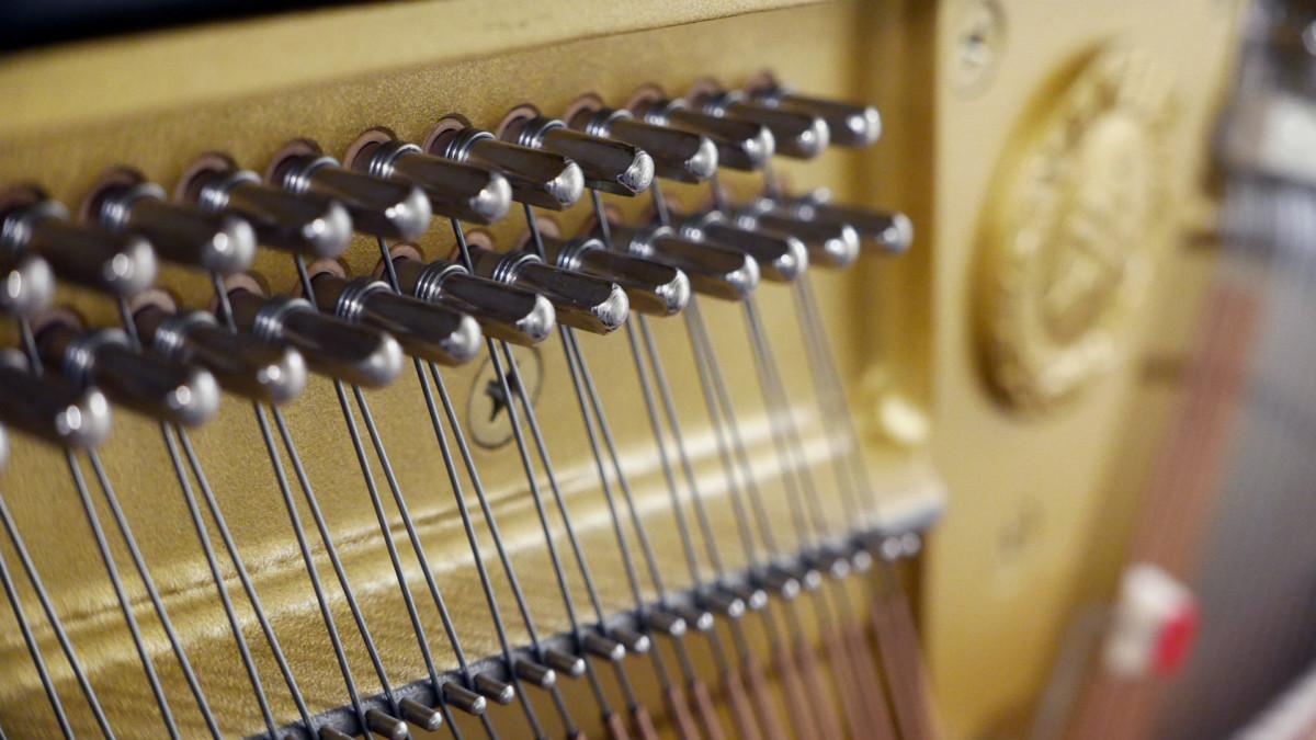 Yamaha U300SX Silent Y #5338514 detalle clavijero clavijas