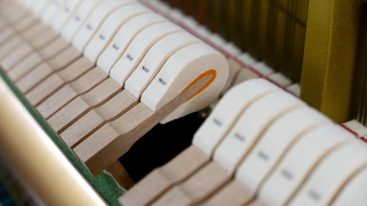 Yamaha U300SX Silent Y #5338514 martillos macillos mecanica interior