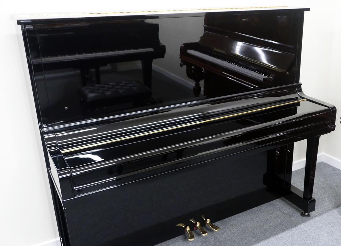 Yamaha U30BL #4464545 vista general piano cerrado