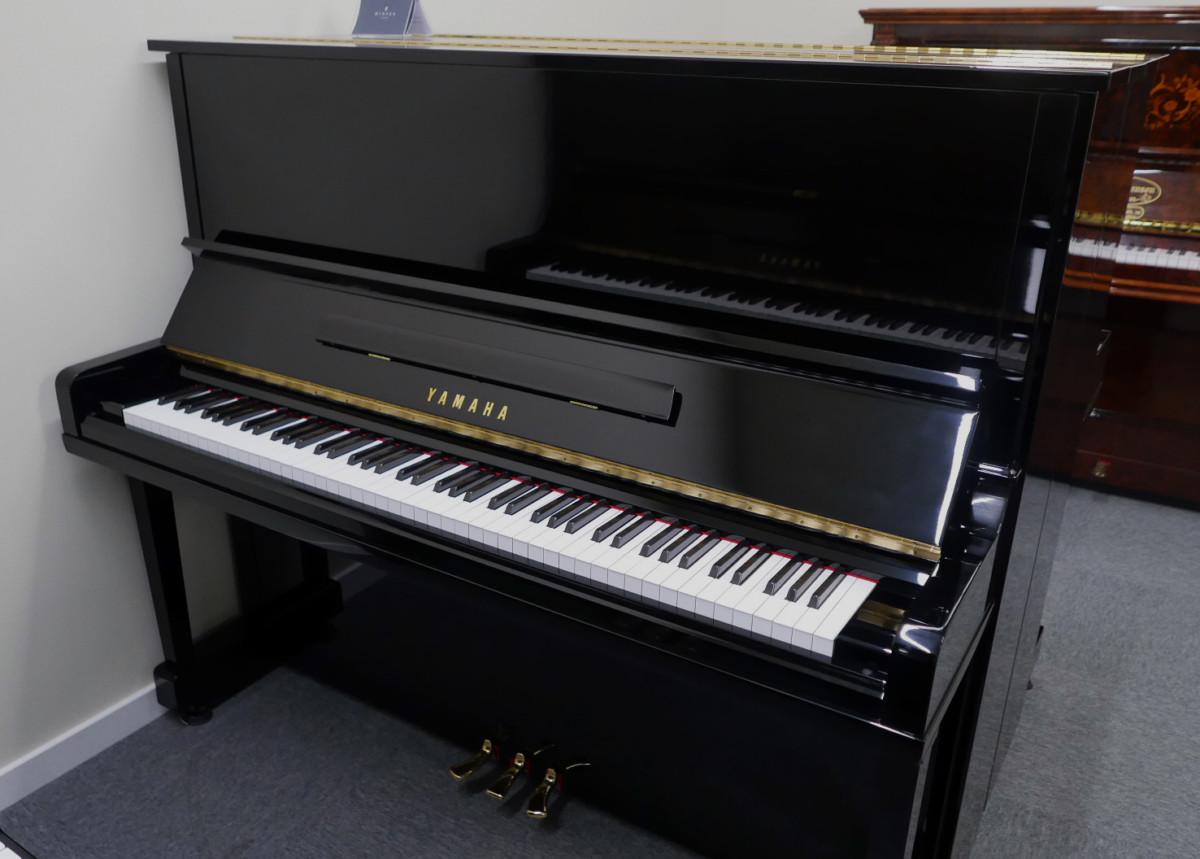 Yamaha U30BL #4502560 vista general piano abierto