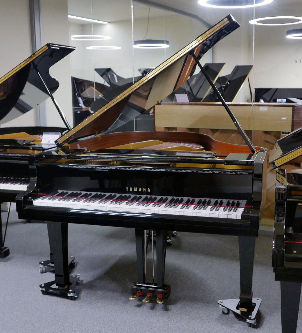 piano de cola Yamaha G2 #4310052 plano general tapa abierta teclado abierto