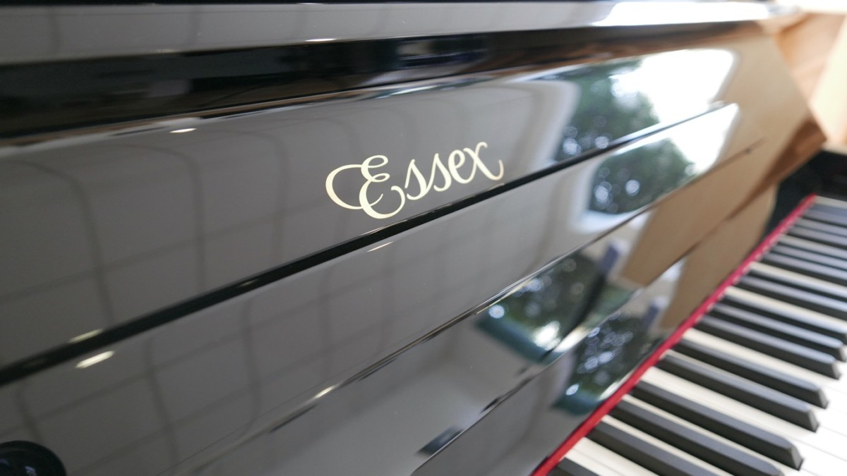 piano vertical Essex EUP123E silent #160221 marca atril teclas