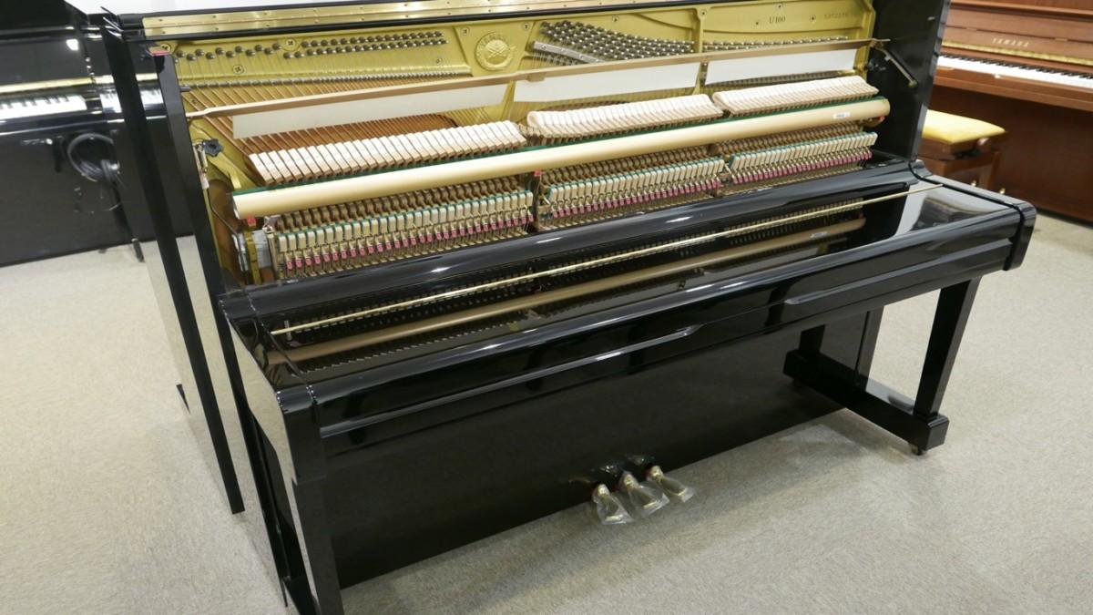 Piano-vertical-Yamaha-U100-5352275-detalle-vista-general-mecanismo-cerca-segunda-mano