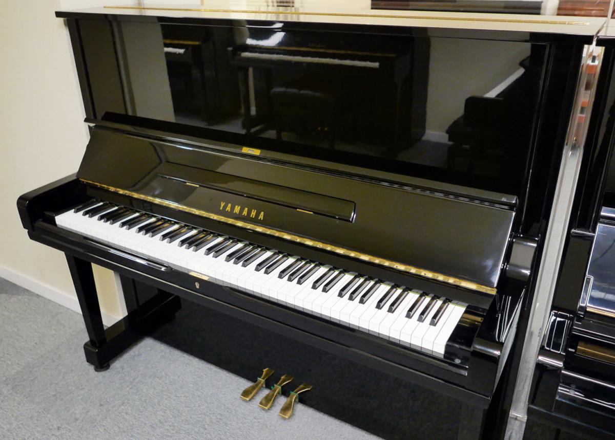 piano vertical Yamaha U3 #4173168 plano general tapa teclado abierta
