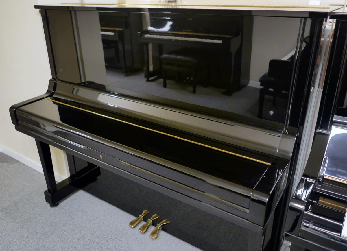 piano vertical Yamaha U3 #4173168 plano general tapa teclado cerrada