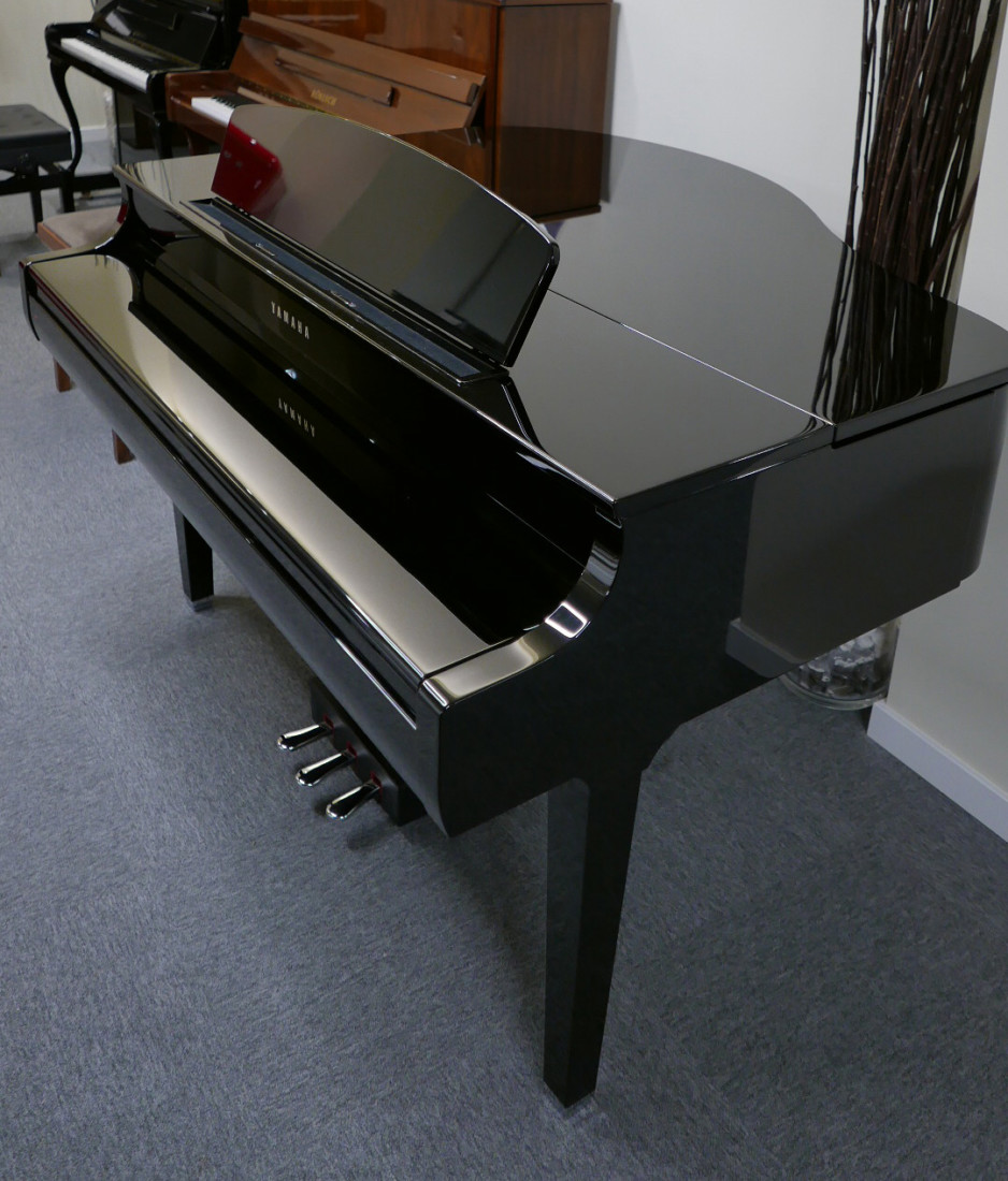 piano de cola Yamaha Clavinova CLP695GP plano general tapa cerrada