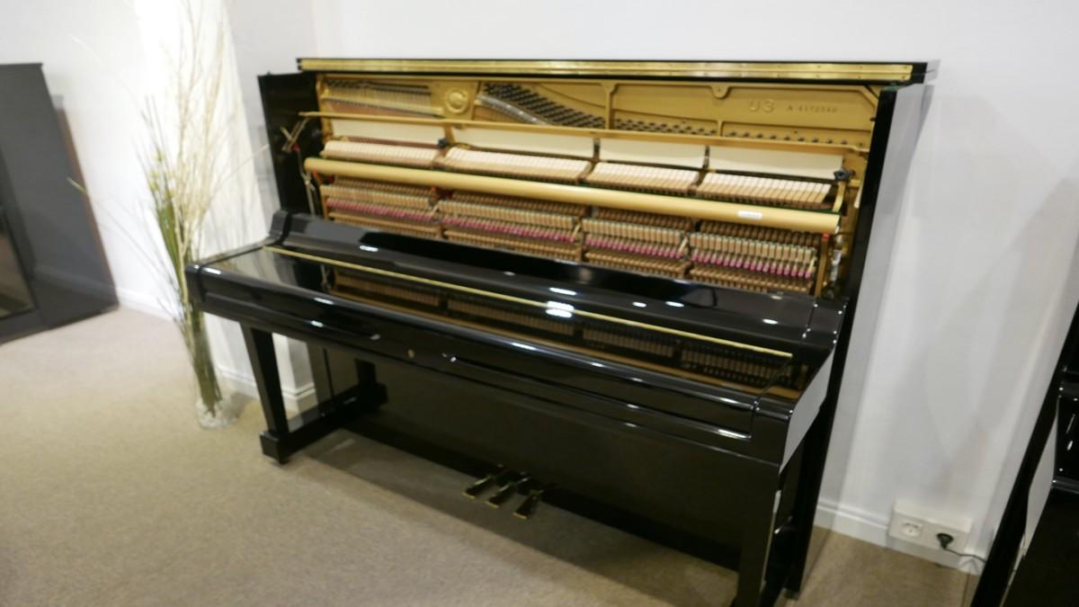 Piano-vertical-Yamaha-U3-4172540-detalle-vista-general-mecanismo-segunda-mano