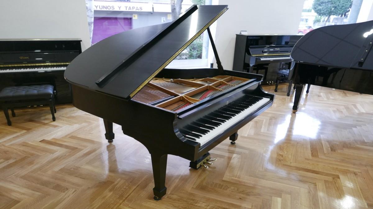 Piano-de-cola-Steinway-S155-511441-detalle-vista-lateral-sin-banqueta-segunda-mano