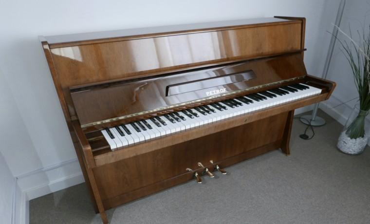 Piano-vertical-petrof-113-257884-detalle-vista-general-sin-banqueta-segunda-mano