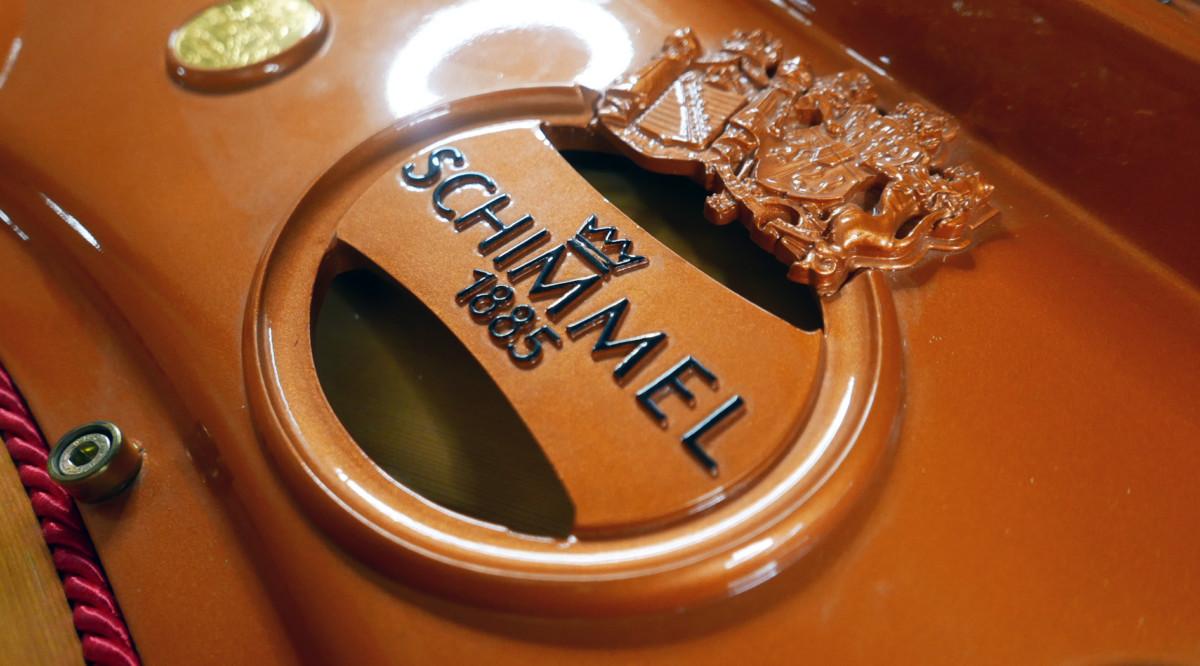 piano de cola Schimmel 174 #307484 detalle escudo sello marca arpa firma
