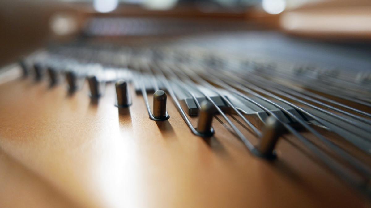 piano de cola Yamaha C3 #5972447 detalle interior arpa