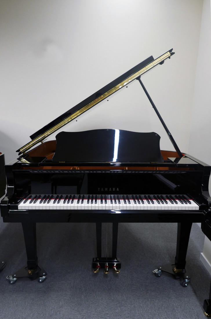 piano de cola Yamaha C3 #5972447 vista general frontal