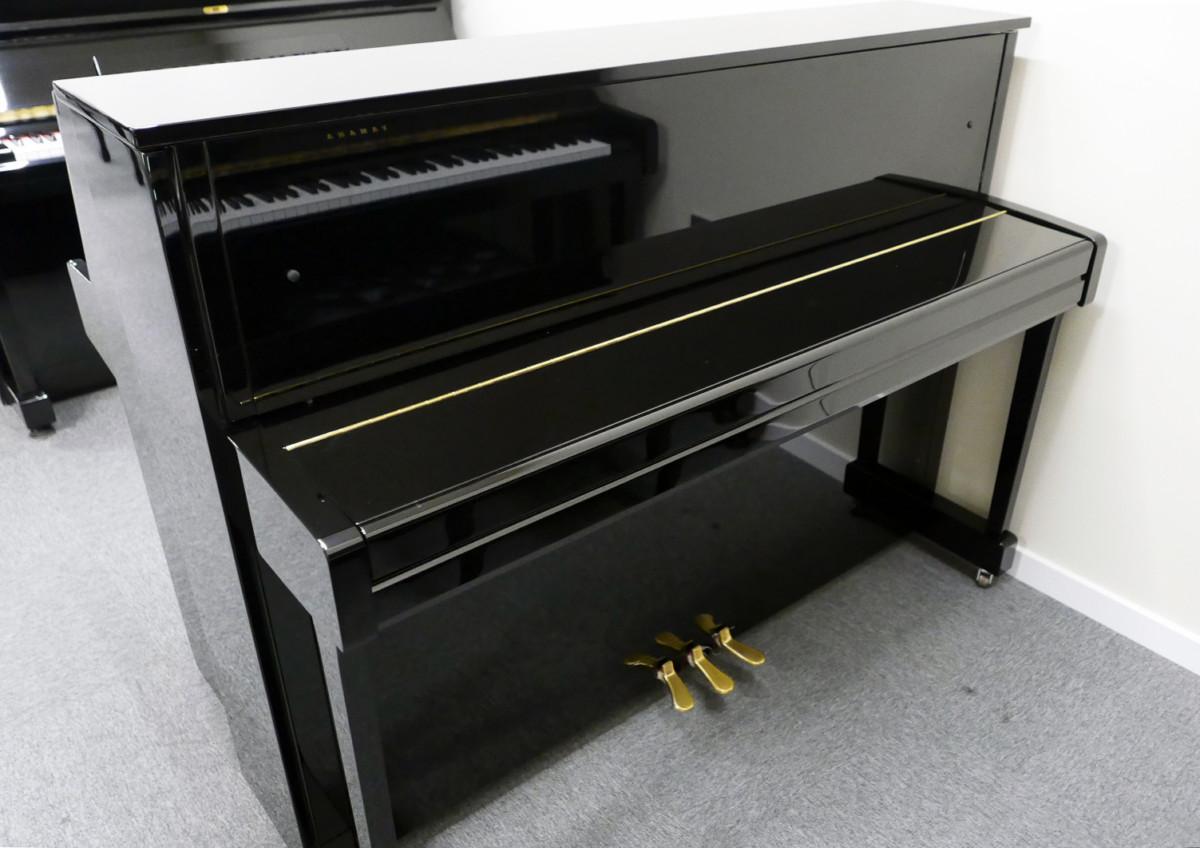 piano vertical Yamaha B2e PE #J35378598 vista general tapa cerrada