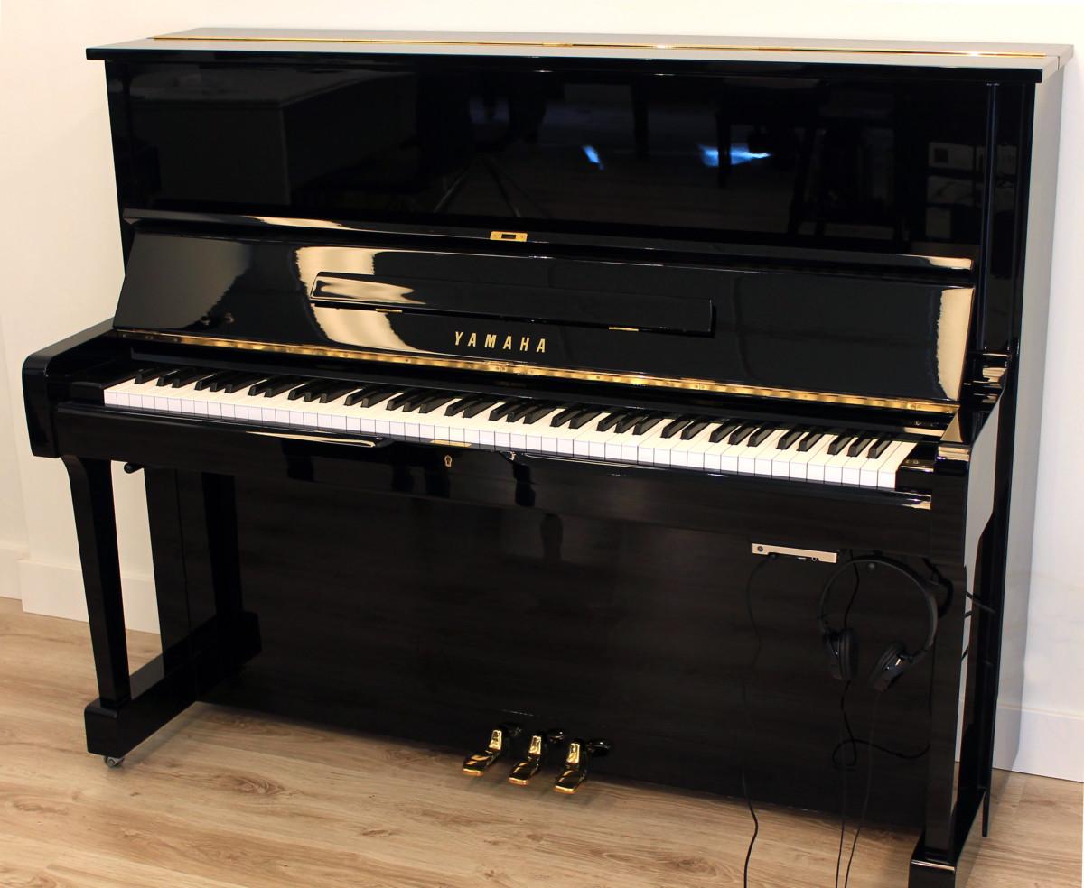 piano vertical Yamaha U1 #2901165 plano general tapa abierta