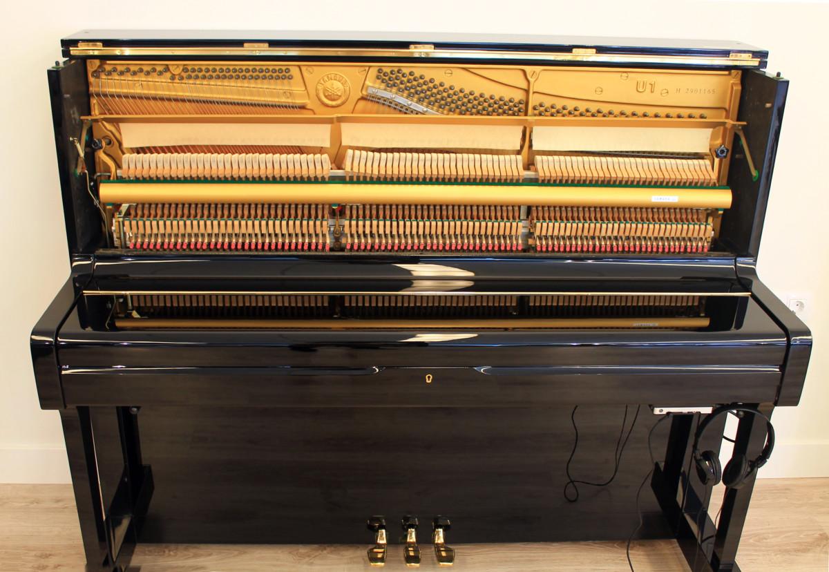piano vertical Yamaha U1 #2901165 vista general mecanica frontal