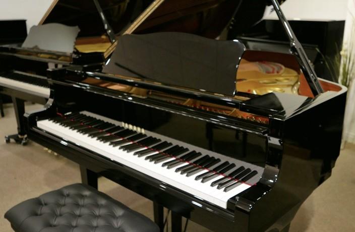 Piano-de-cola-Yamaha-G3-4490162-detalle-vista-general-con-banqueta-segunda-mano