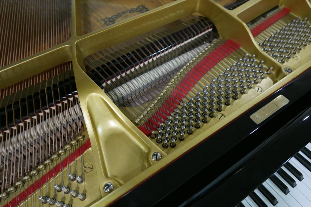 Piano-de-cola-Yamaha-G3-4490162-bastidor-clavijero-fieltros-segunda-mano