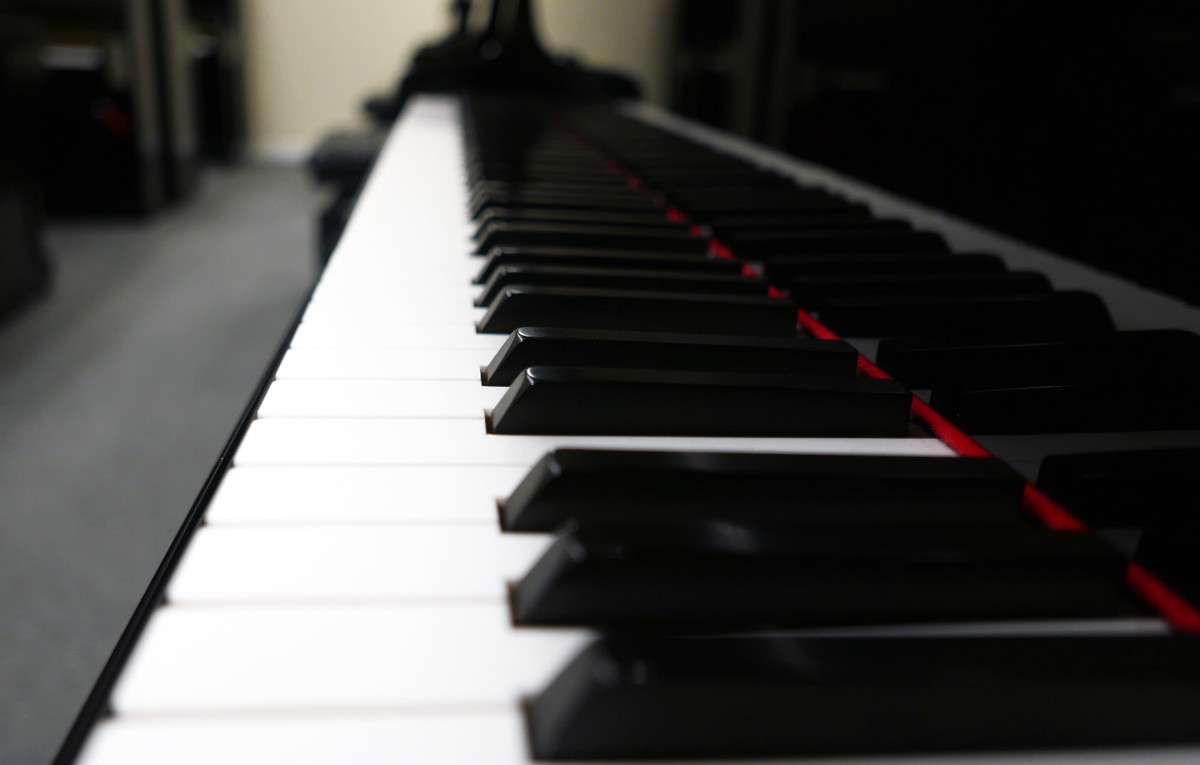 piano de cola Petrof 157 #478883 teclas teclado vista lateral