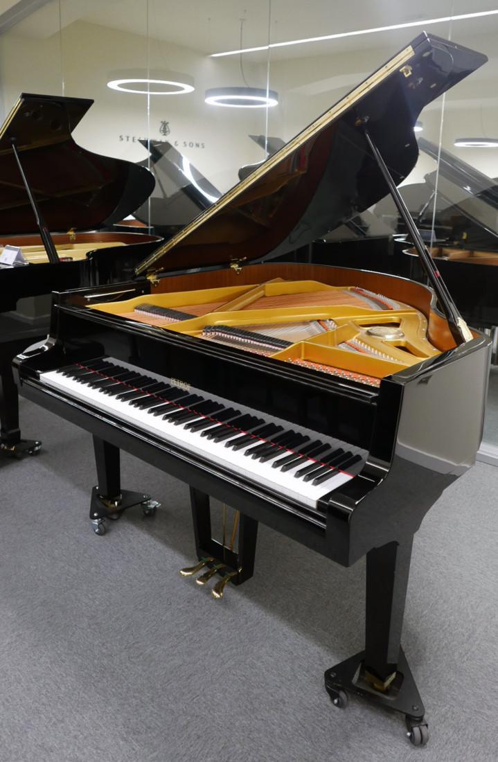 piano de cola Petrof 157 #478883 vista general piano abierto sin atril