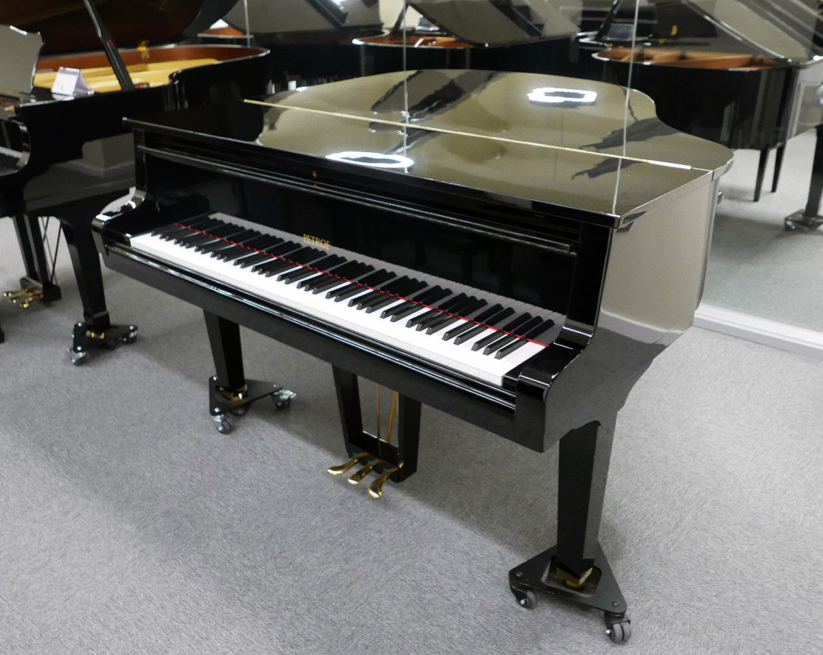 piano de cola Petrof 157 #478883 vista general tapa teclado abierta