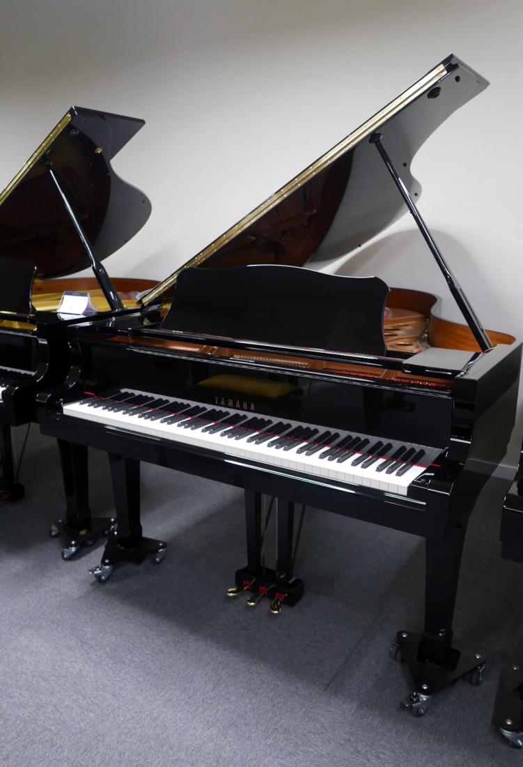 piano de cola Yamaha C5 #5449040 vista general