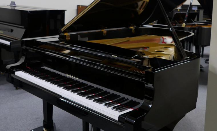 piano de cola Yamaha C7 #3040352 plano general abierto