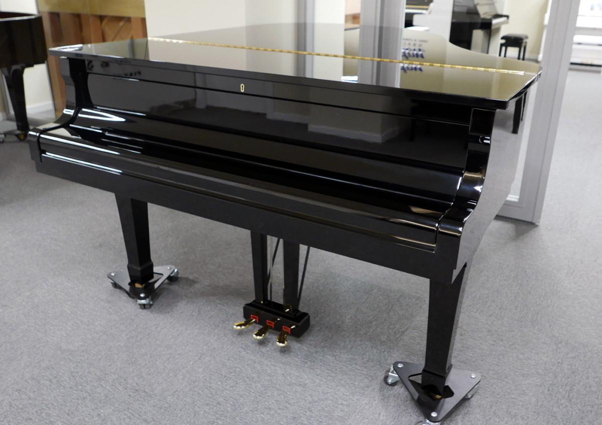 piano de cola Yamaha G2 #5220385 vista general tapa cerrada